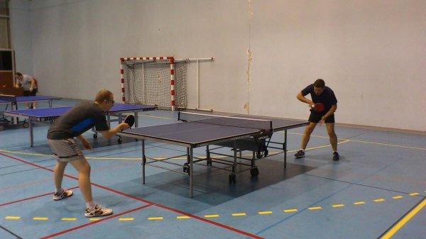 Le gymnase du tronchet fait le plein d adh rents et de for Tennis de table lyon 6